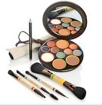Facedisc by Lauren Hutton Makeup Made From Experience