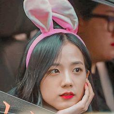 Ji Soo, Icons, Kpop, Band, Fashion, Moda, Sash, Fashion Styles, Symbols