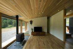 専門家:が手掛けた、薪ストーブのあるリビング(鮎立の家)の詳細ページ。新築戸建、リフォーム、リノベーションの事例多数、SUVACO(スバコ)