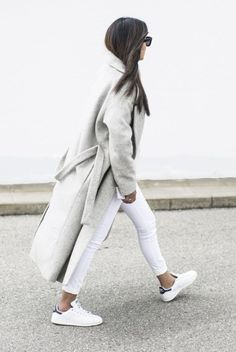 fashion landscape White Jeans Outfit, Grey Outfit, Minimal Outfit, Cos  Fashion, Runway d902934e6de