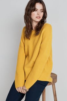 An oversized ladies' jumper in autumnal Seasalt colours. The Fruity Jumper is made from the softest merino yarn and knitted in a neat, textured garter stitch.