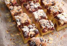 Nagymama meggyes sütije Hungarian Recipes, Hungarian Food, Banana Bread, Cake Recipes, Main Dishes, French Toast, Vegetarian, Breakfast, Main Course Dishes