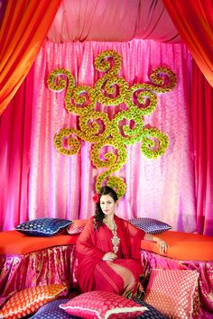 Indian Mehndi backdrop from www.designhousedecor.com and www.syphotography.com