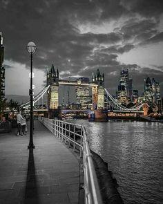 Brown Splash of Color / Tower Bridge, London Splash Photography, City Photography, Black And White Photography, Landscape Photography, Black And White City, Black And White Pictures, Color Splash Photo, Splash Images, Tower Bridge London