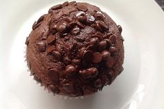 Fast chocolate muffins from Ohnezipfel Chocolate Chip Cookie Cake, Best Chocolate Cake, Chocolate Muffins, Chocolate Desserts, Muffin Recipes, Baking Recipes, Sugar Cookie Recipe Easy, Pudding Desserts, Cake Mix Recipes