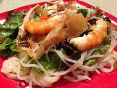 My fav: Hmong salad with vermicelli noodles chicken and shrimp Vermicelli Salad, Vermicelli Noodles, Pasta Noodles, Asian Recipes, Healthy Recipes, Ethnic Recipes, Healthy Food, Chunky Peanut Butter, Chicken And Shrimp