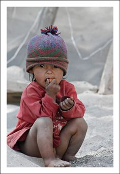 little bro/sister in dust - Hemis, Jammu and Kashmir