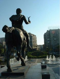 Equestrian statue of Alexander the Great in Alexandria, facing the ancient Canopic Way, present day Rue Fouad.  Ptolemaic Dynasty from #Macedonia the ancient #Greek kingdom on the northern #Greek peninsula.