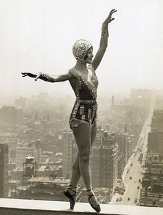 1930s – 42nd St, Lina Basquett, dancer & musical comedy star, rehearsing on the ledge of the Hotel Commodore, 28 stories high