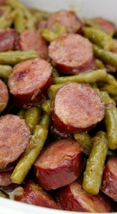 Sausage Kielbasa Green Beans are an easy Thanksgiving side dish that tastes delicious. #thanksgivingsidedish #thanksgivingrecipes #sausagekielbasa #dinnerrecipes #delicious #recipes #sidedishes