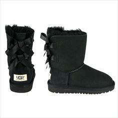 Women's Bailey Bow Uggs in Black..umm want