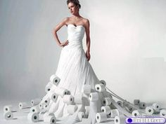 You probably have seen Cashmere's commercial on their toilet paper dress. There have also been many magazine advertisements showing dresses. Wedding Dresses Games, Weird Wedding Dress, Amazing Wedding Dress, Prom Dresses, Paper Dresses, Paper Clothes, Perfect Wedding, Unusual Dresses, Different Dresses