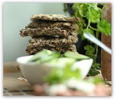 Knallgode glutenfrie havreknekkebrød med havsalt! (En helseblogg om jakten etter en friskere...) Healthy Recipes, Healthy Food, Diets, Desserts, Thoughts, Blogging, Health Recipes, Tailgate Desserts, Healthy Food Recipes