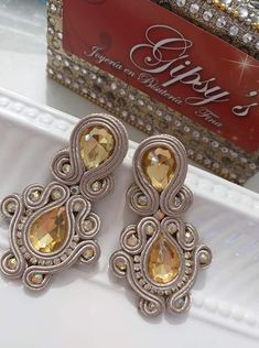 Soutache Earrings, Diamond Earrings, Quilts, Jewellery, Inspiration, Ideas, Fashion, Ear Rings, Scrappy Quilts