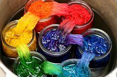 Tutorial for rainbow-dying yarn in mason jars.