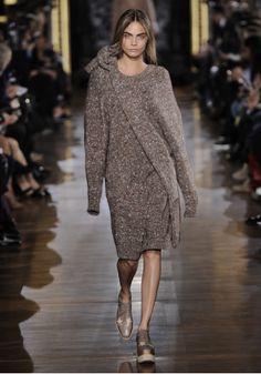 Off Set Shapes V Neck Dress, Off Set Shapes Bag and Elyse Star Patchwork Lace Up Wedge Shoe Winter 2014 Look 18