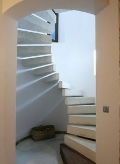 Google Image Result for http://modfrugal.com/wp-content/uploads/2010/02/stairs-in-casa-farall-stair-porn.jpg