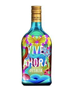 La última edición limitada de Ron Barceló, diseñada por el grupo de artistas urbanos Boa Mistura, conmemora la novena edición del festival Ron Barceló Desalia. Para ello utiliza diseños inspirados en el mar Caribe y tintas luminiscentes para que luzcan en la oscuridad.