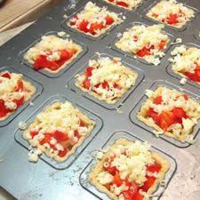 *Συνταγές απλές και εύκολες*: Κις Λωρέν ατομικά -Συνταγή βήμα-βήμα Griddle Pan, Finger Foods, Food Art, Party Time, Buffet, Snacks, Cookies, Breakfast, Blog