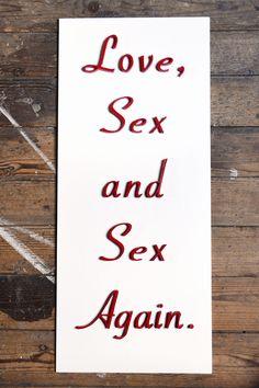 Panneau, tableau 3D fait main: Amour, sexe, et encore du sexe, blanc et rouge - Handmade 3D board Love, sex and sex again red and white de la boutique FrenchyVintageStore sur Etsy