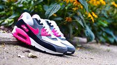 Neuer Wmns Air Max 90 Essential.  http://www.soulfoot.de/de/Sneaker/Wmns-Air-Max-90-Essential,50,616730-101.html  #nike #airmax #AM90 #hyperpink #sneaker #slft #soulfoot