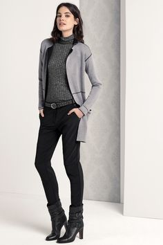 @expressofashion #expresso #fashion #colortrends #trends #pantone #sharkskin #gray #grey #fall16 #winter17 lang fijn gebreid vest