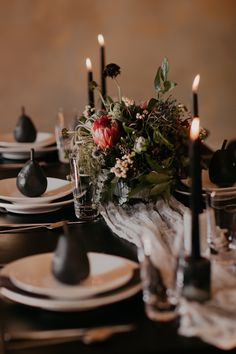 This Riverwood Mansion wedding inspiration features gorgeous craft cocktail recipes, moody bridal vibes, and romantic, dusty florals.