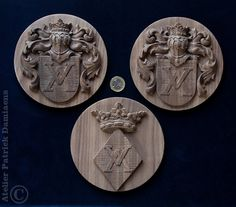 Coat of arms carved in wood | Crest carved in wood | Coat of arms of the Dutch Family ODINK | heraldic woodcarving | http://www.patrickdamiaens.be