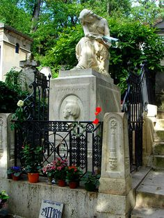 Grave of Chopin at the cemetery of Pere Lachaise, Paris