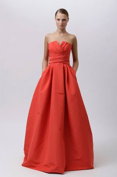 The Color. The Pockets. The Glamour. Looks Chic, Looks Style, Look Fashion, Fashion Show, Fashion Models, Mens Fashion, Monique Lhuillier, Strapless Dress Formal, Formal Dresses