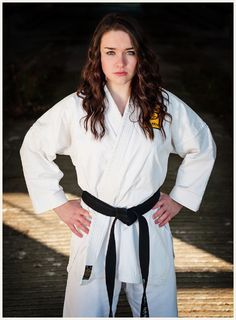 Senior Photo Karate pose  Bella Vita Creative Photography, Mount Vernon, WA  www.bellavitacreative.net
