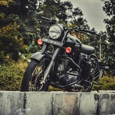 New custom cars mods vehicles 62 ideas Enfield Bike, Enfield Motorcycle, Motorcycle Style, Royal Enfield Classic 350cc, Royal Enfield Wallpapers, Bullet Bike Royal Enfield, Royal Enfield India, Royal Enfield Modified, Black Clover Anime