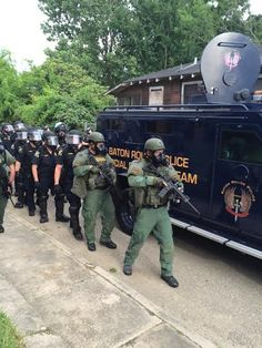 Solenzo blog: Police arrest at least 40 people protesting Alton Sterling's death in Baton Rouge (photos)