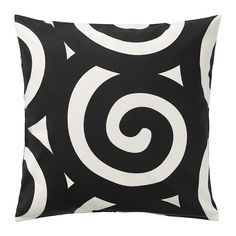 Go for a bold print like the black and white TRÅDKLÖVER cushion cover!
