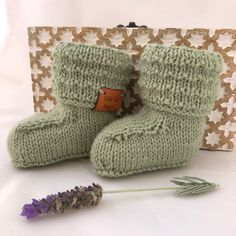 Baby booties || Baby shoes | Wool socks | Hand knitted socks | Knitted baby booties | Newborn photo prop | Baby announcement | Gender reveal by littlefolkproject on Etsy https://www.etsy.com/au/listing/597510366/baby-booties-baby-shoes-wool-socks-hand
