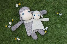 Easter Crochet, Cute Crochet, Crochet Crafts, Crochet Toys, Crochet Baby, Crochet Projects, Dk Weight Yarn, Baby Security Blanket, Diy Bebe