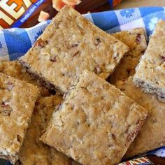 Heath Toffee Pecan Bars – Can't Stay Out of the Kitchen Homemade Tacos, Homemade Taco Seasoning, Chocolate Chip Cookie Dough, Chocolate Meringue, Best Deviled Eggs, B Recipe, Taco Bake, Glass Baking Dish, Holiday Baking