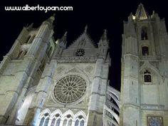 la Catedral de León encierra una de las leyendas más apasionantes de León, la del Topo: cuando no sabemos justificar nuestra torpeza, le echamos la culpa a algo más