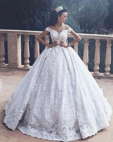 The beautiful Sara Ghadar #brideoftheday  Dress : @mayadasahmarani.hautecouture  Hairstyle : @husseinsafwann  #saidmhamadphotography
