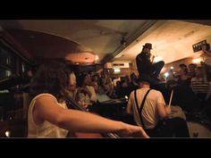 """The Lumineers - Ho Hey - Live From London  Met muziekmakende leerlingen de stad in en muziek en emoties """"vangen"""" en natuurlijk een filmpje maken"""