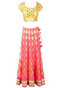 Amrita Thakur Pink and Yellow Chanderi Brocade Lehnga - Pernia's Pop-Up Shop Indian Bridal Lehenga, Pakistani Bridal Wear, Indian Attire, Indian Wear, Indian Dresses, Indian Outfits, Indian Clothes, Ethnic Fashion, Indian Fashion