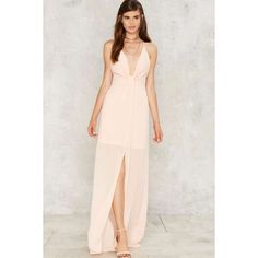 Cecily Plunging Maxi Dress (1.565 RUB) ❤ liked on Polyvore featuring dresses, pink, plunge maxi dress, peach chiffon dress, plunge neck maxi dress, knot dress and plunging neckline dress