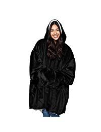 Online shopping for Hoodies & Sweatshirts from a great selection at Clothing & Accessories Store. Mens Fashion Magazine, Comfy Blankets, Shark Tank, Fashion Wear, Fashion Hoodies, The Originals, Sweatshirts, Colors, Sweatshirt