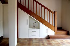 Placard sous escalier sur mesure Paris, Nantes, Vannes, Lorient : meuble sous…