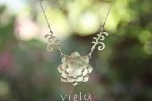 flor de loto en plata