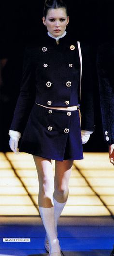 Versace show f/w 1994 feat Kate Moss