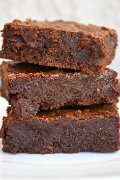 A few months back, I threw out this crazy idea that I didn't like brownies . I know. But you all got on my case and blew up my Facebook  wit...