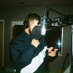 Drake workin hard in the studio. Can't wait for his next album.