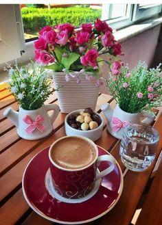 Nadire Atas on Coffee International To Enjoy Café Sunday Coffee, Good Morning Coffee, Coffee Cafe, Coffee Break, I Love Coffee, My Coffee, Coffee Shot, Tea And Books, Good Morning Flowers
