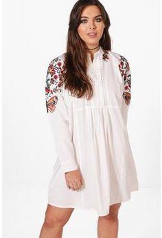 47453696ce2 Boohoo Womens Plus Caroline Embroidered Shoulder Dress · Curves ...